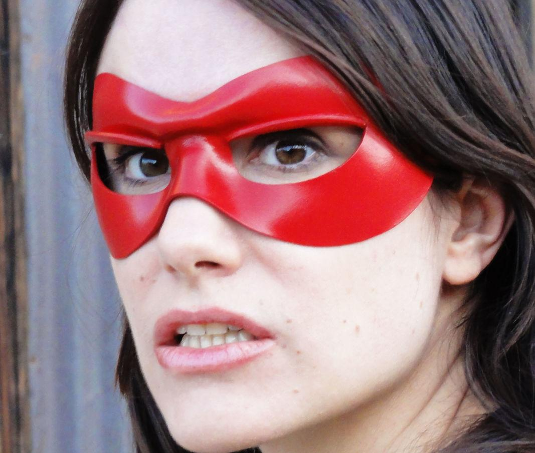 Самые глупые и самые смешные законы штатов США - красная маска